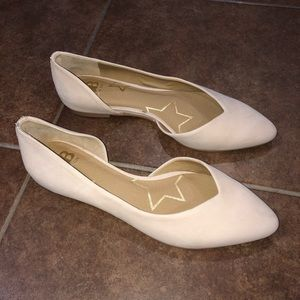 Gianni Bini Pointed Toe Flats